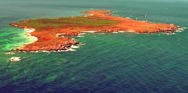 Isola di Mal di Ventre, foto aerea